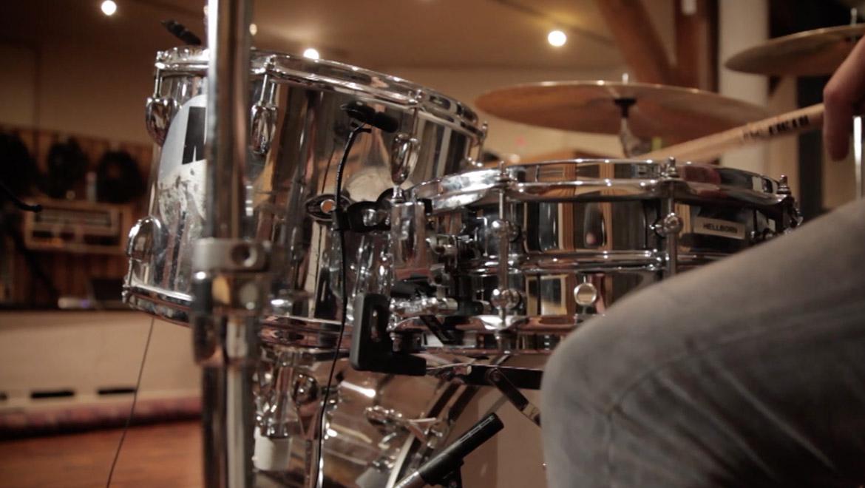 how-tom-mic-a-drum-kit-drummer-dpa-microphones.jpg